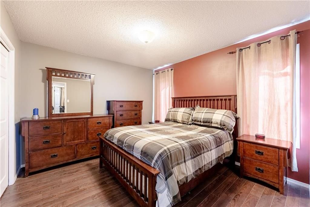 Photo 14: Photos: 20 PENROSE Crescent in Steinbach: R16 Residential for sale : MLS®# 202107867