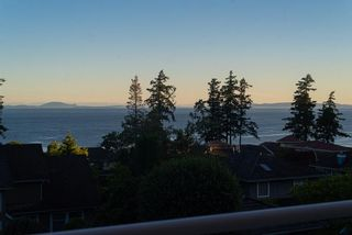 Photo 5: 13518 MARINE Drive in Surrey: Crescent Bch Ocean Pk. House for sale (South Surrey White Rock)  : MLS®# R2597553
