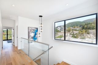 Photo 6: 2943 HUCKLEBERRY Drive in Squamish: University Highlands House for sale : MLS®# R2534724