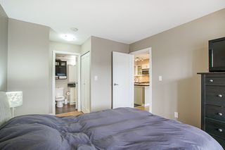 """Photo 13: 808 1 RENAISSANCE Square in New Westminster: Quay Condo for sale in """"THE 'Q'"""" : MLS®# R2521364"""