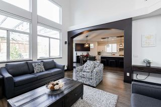 """Photo 5: 20163 69 Avenue in Langley: Willoughby Heights House for sale in """"Jefferies Brook"""" : MLS®# R2557300"""