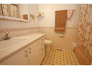 Photo 14: 12511 LAKE GENEVA Road SE in CALGARY: Lake Bonavista Residential Detached Single Family for sale (Calgary)  : MLS®# C3628139