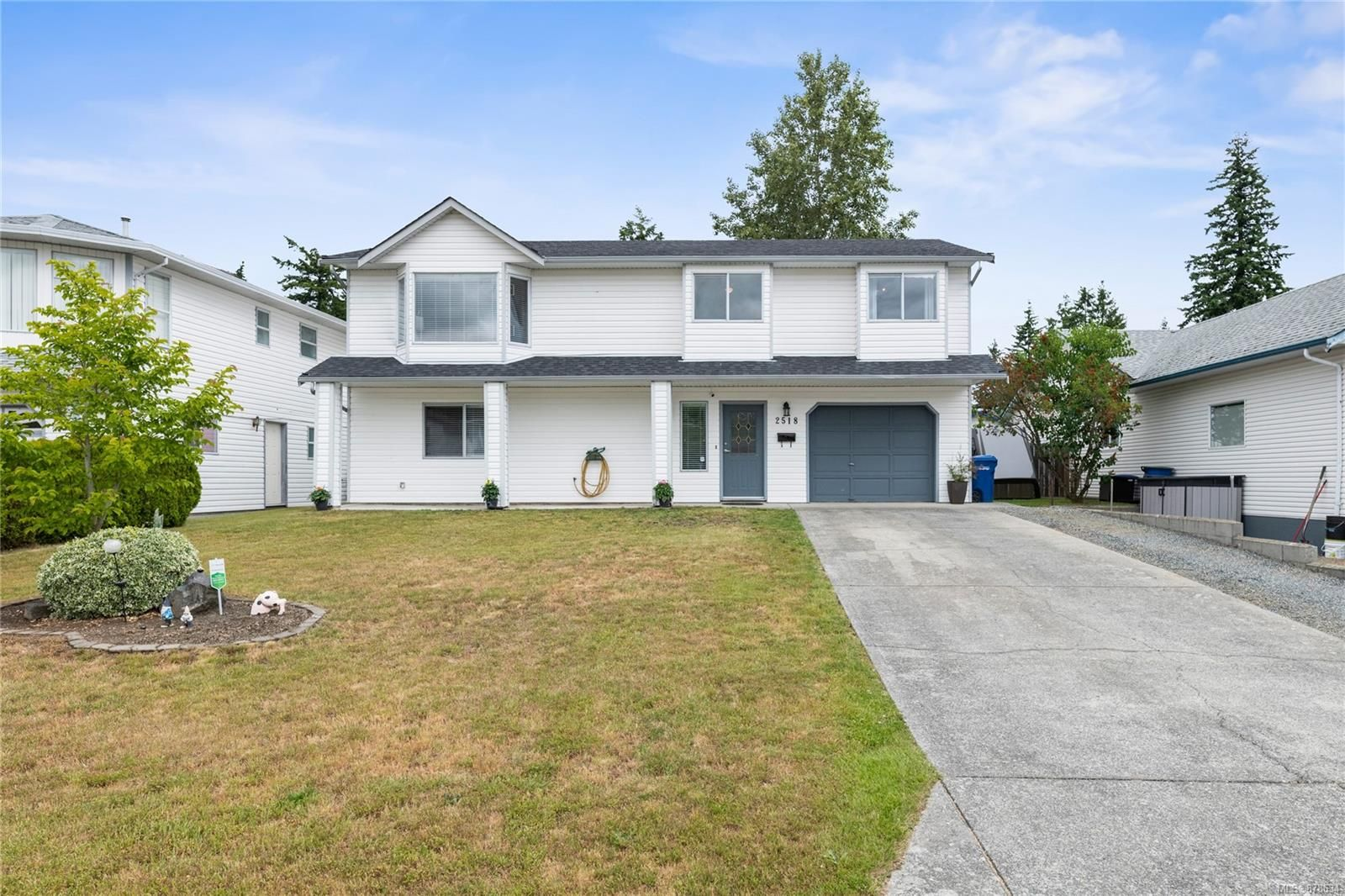 Main Photo: 2518 Nadely Cres in : Na Diver Lake House for sale (Nanaimo)  : MLS®# 878634