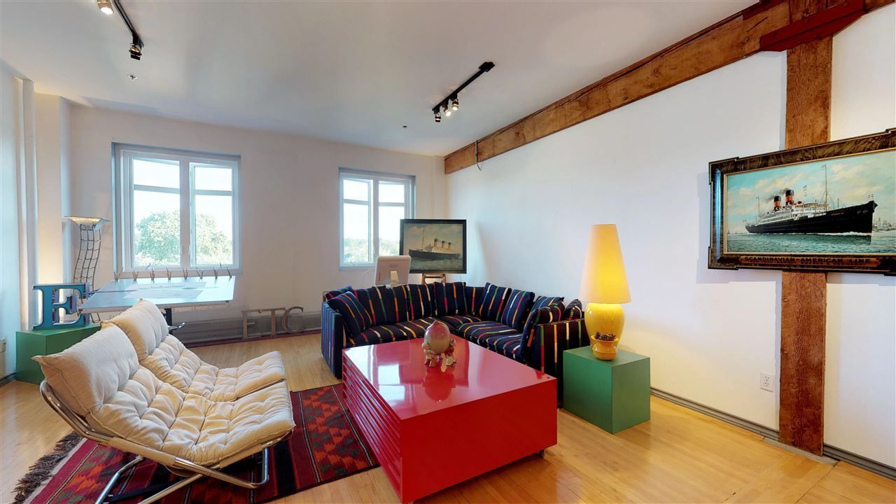 """Photo 6: Photos: 221 2556 E HASTINGS Street in Vancouver: Renfrew VE Condo for sale in """"L'Atelier"""" (Vancouver East)  : MLS®# R2275528"""