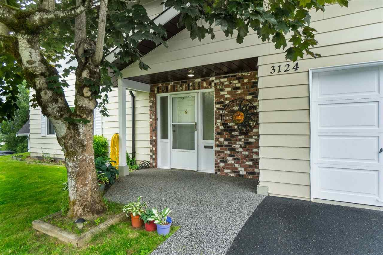 Photo 3: Photos: 3124 BABICH Street in Abbotsford: Central Abbotsford House for sale : MLS®# R2480951