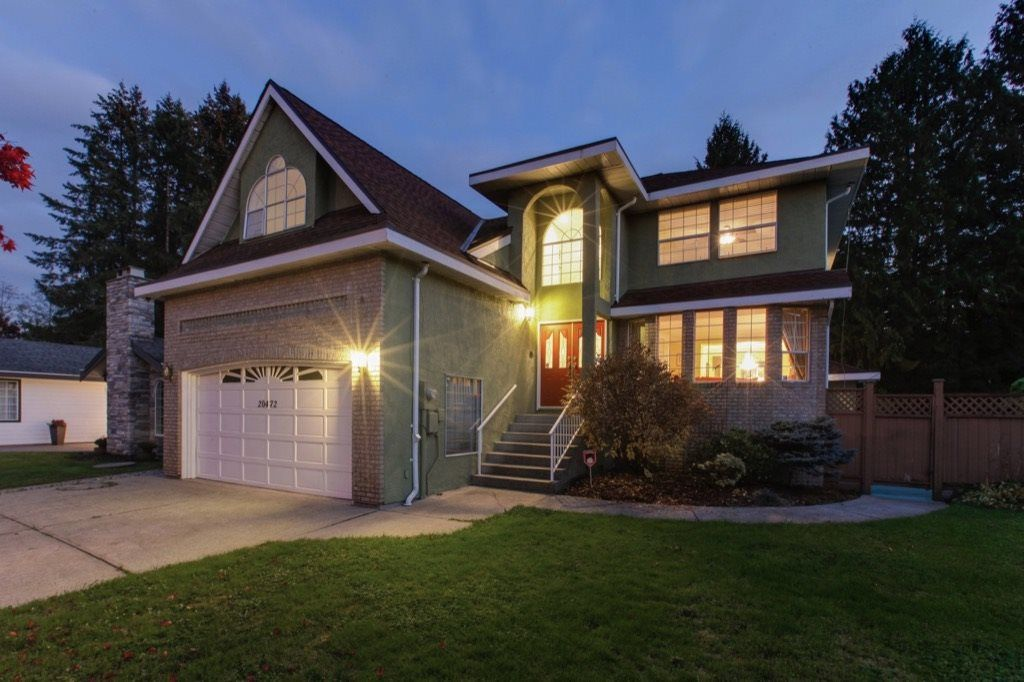 Main Photo: 20472 123B Avenue in Maple Ridge: Northwest Maple Ridge House for sale : MLS®# R2314837