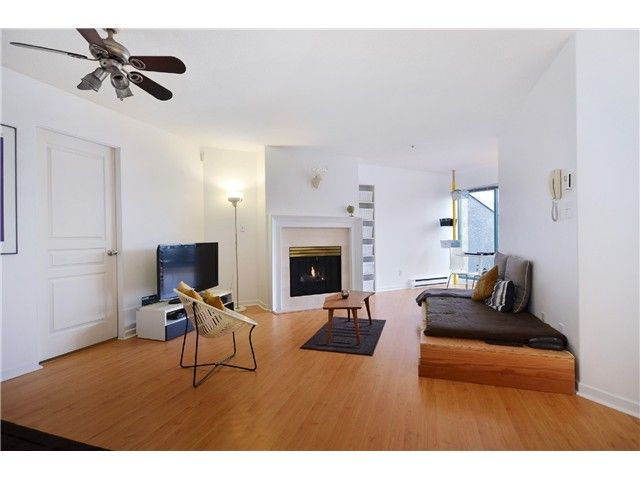 """Main Photo: 310 3131 MAIN Street in Vancouver: Mount Pleasant VE Condo for sale in """"CARTIER PLACE"""" (Vancouver East)  : MLS®# V991875"""