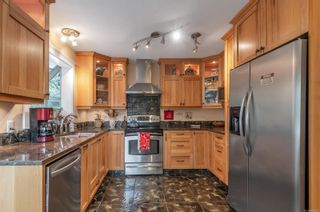 Photo 3: 1063 Springbok Rd in : CR Campbell River Central House for sale (Campbell River)  : MLS®# 856480