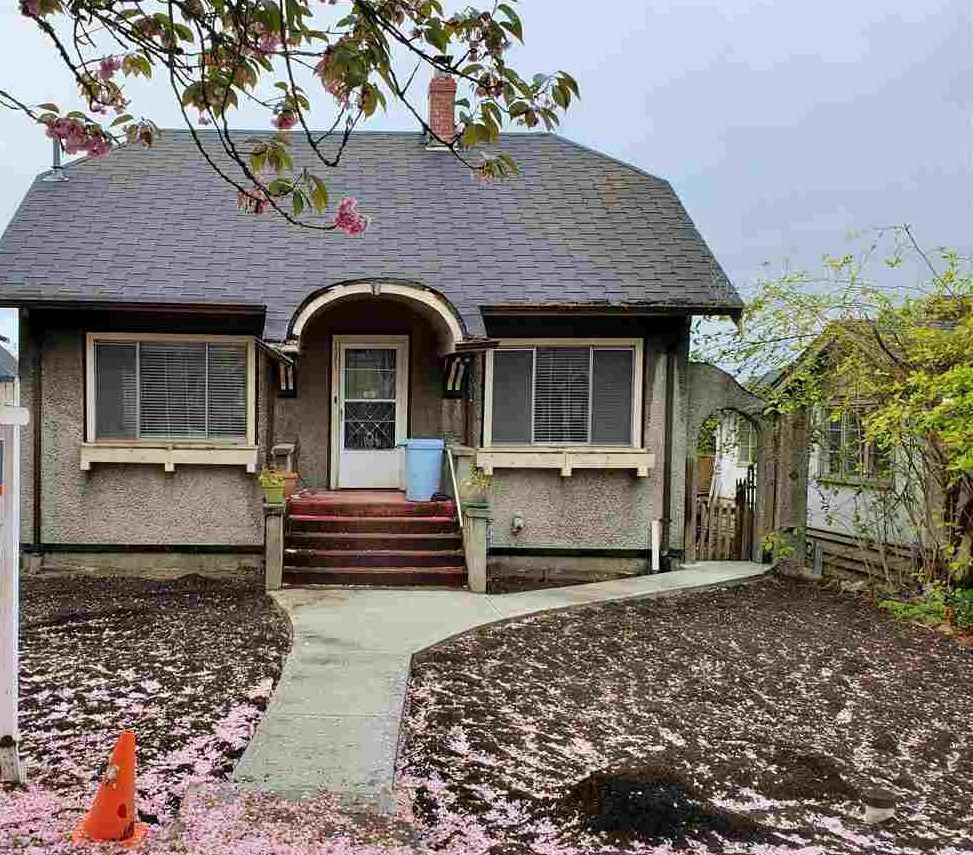 Main Photo: 1381 E 20TH Avenue in Vancouver: Knight House for sale (Vancouver East)  : MLS®# R2572561