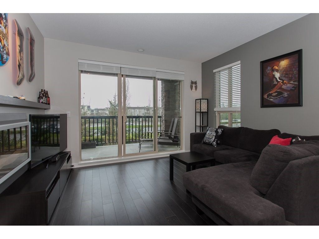 """Photo 3: Photos: 210 5655 210A Street in Langley: Salmon River Condo for sale in """"CORNERSTONE NORTH"""" : MLS®# R2152844"""