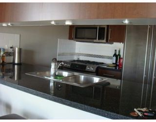 """Photo 4: 702 587 W 7TH Avenue in Vancouver: Fairview VW Condo for sale in """"AFFINITI"""" (Vancouver West)  : MLS®# V772091"""