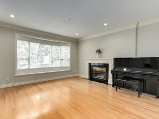 """Photo 3: 8033 HUDSON Street in Vancouver: Marpole House for sale in """"MARPOLE"""" (Vancouver West)  : MLS®# R2586835"""
