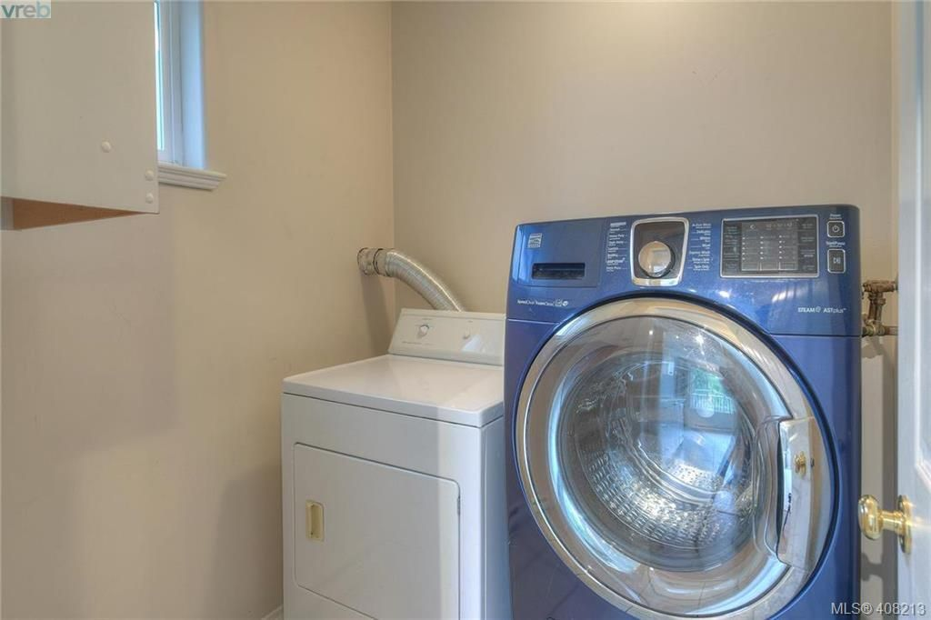Photo 12: Photos: A & B 3232 Loledo Pl in VICTORIA: La Luxton Full Duplex for sale (Langford)  : MLS®# 811181