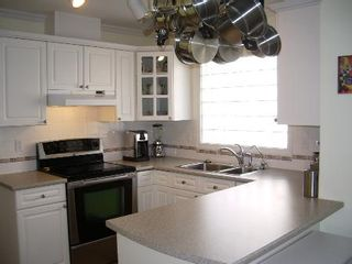 Photo 20: BEAUTIFULLY RENOVATED 3-BR TOWNHOUSE!
