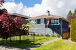 Main Photo: 308 E 20TH Street in North Vancouver: Central Lonsdale House for sale : MLS®# R2579723