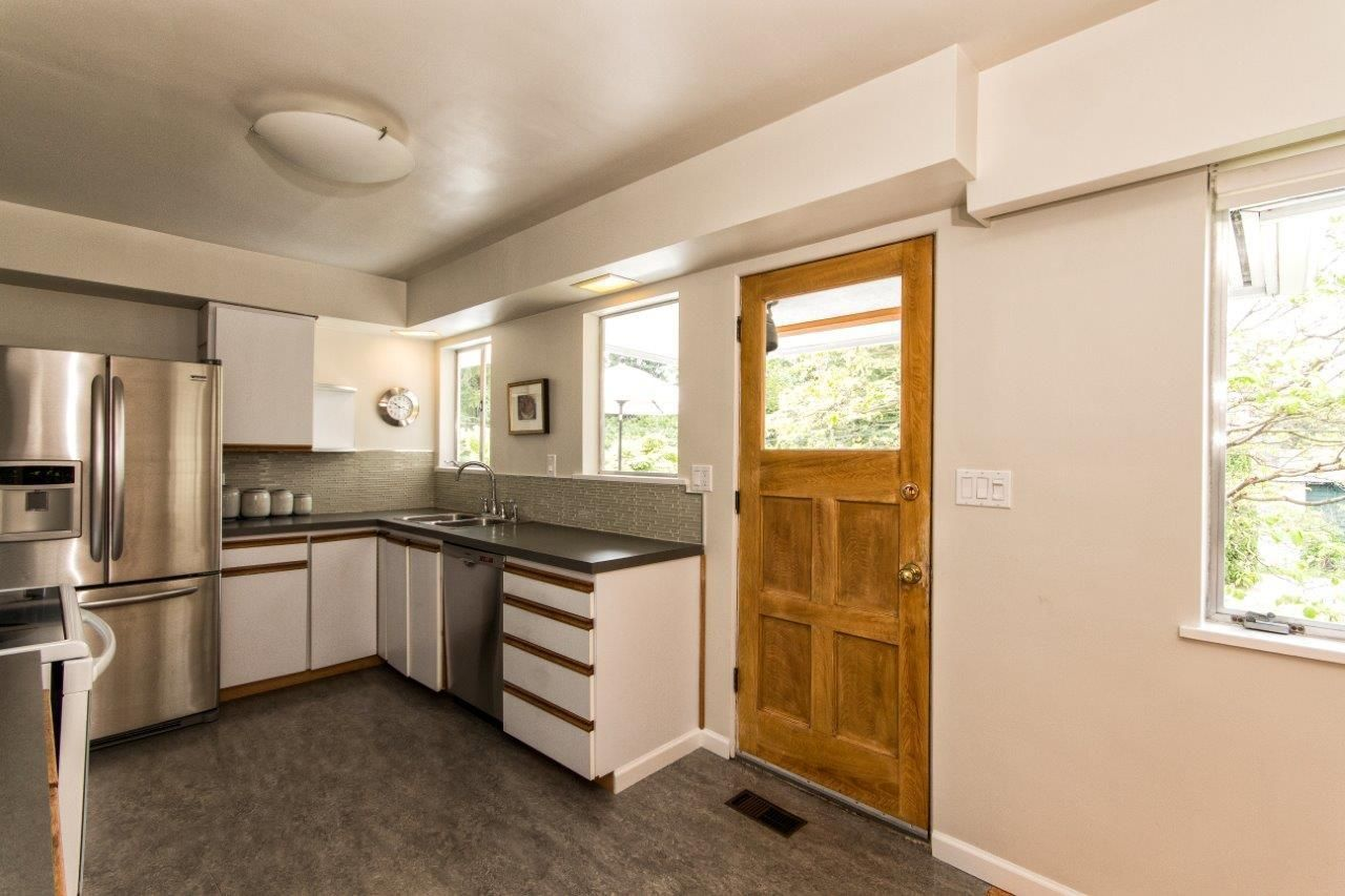 """Photo 7: Photos: 915 E 13TH Street in North Vancouver: Boulevard House for sale in """"Grand Boulevard"""" : MLS®# R2535688"""