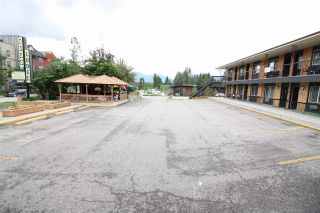 Photo 4: 4873 STANLEY Street in No City Value: Out of Town Business with Property for sale : MLS®# C8029587