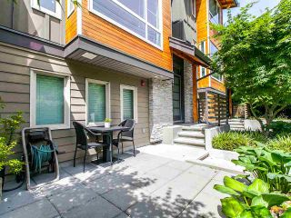 """Photo 2: 27 897 PREMIER Street in North Vancouver: Lynnmour Townhouse for sale in """"Legacy @ Nature's Edge"""" : MLS®# R2077735"""