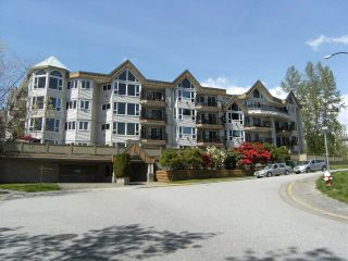 Photo 1: 107 11595 FRASER Street in Maple Ridge: East Central Condo for sale : MLS®# R2363900