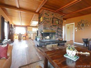 Photo 3: 1416 Tovido Lane in VICTORIA: Vi Mayfair House for sale (Victoria)  : MLS®# 725047