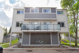 Photo 1: 505 WILLOW Court in Edmonton: Zone 20 Townhouse for sale : MLS®# E4260279