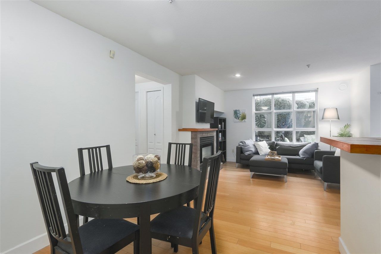 """Photo 5: Photos: 103 657 W 7TH Avenue in Vancouver: Fairview VW Townhouse for sale in """"THE IVYS"""" (Vancouver West)  : MLS®# R2348649"""