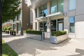 """Main Photo: 1641 EASTERN Avenue in North Vancouver: Central Lonsdale Townhouse for sale in """"Local on Lonsdale"""" : MLS®# R2550821"""