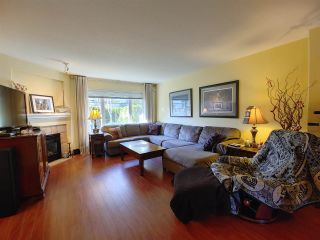 """Photo 3: 25 2351 PARKWAY Boulevard in Coquitlam: Westwood Plateau Townhouse for sale in """"WINDANCE"""" : MLS®# R2545095"""