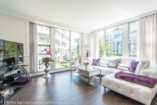 Photo 3: 201 1228 MARINASIDE CRESCENT in Vancouver: Yaletown Condo for sale (Vancouver West)  : MLS®# R2128055