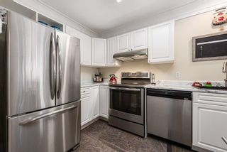 Photo 12: 2 1876 Comox Ave in : CV Comox (Town of) Condo for sale (Comox Valley)  : MLS®# 877120