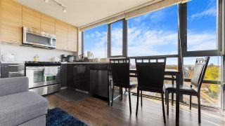 """Photo 6: 801 258 SIXTH Street in New Westminster: Uptown NW Condo for sale in """"258 Sixth Street"""" : MLS®# R2516378"""