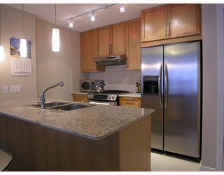 """Photo 1: 701 7088 SALISBURY Avenue in Burnaby: Highgate Condo for sale in """"THE WEST"""" (Burnaby South)  : MLS®# V753163"""