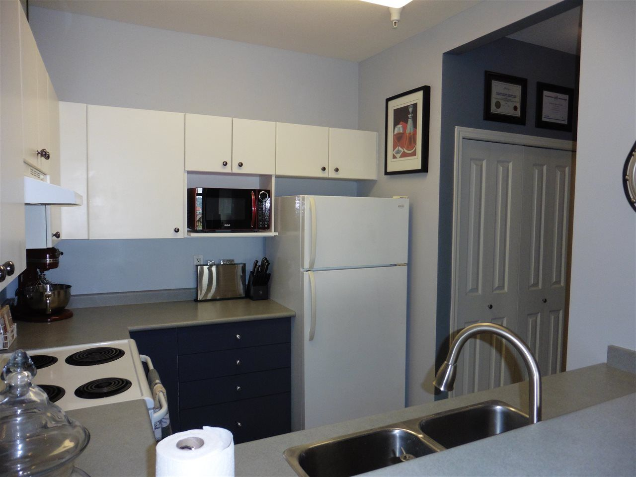 """Photo 7: Photos: 307 580 TWELFTH Street in New Westminster: Uptown NW Condo for sale in """"THE REGENCY"""" : MLS®# R2193816"""