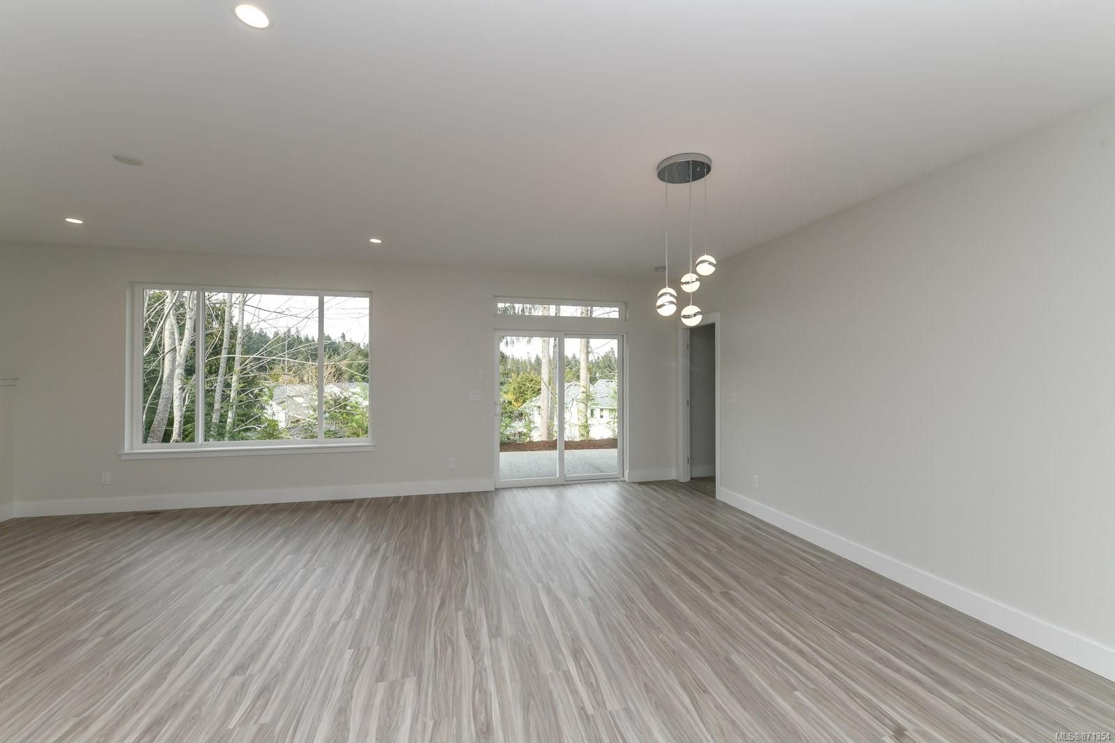 Photo 9: Photos: 68 Grayhawk Pl in : CV Courtenay City House for sale (Comox Valley)  : MLS®# 871354