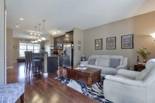 Photo 14: 1062 GAULT Boulevard in Edmonton: Zone 27 Townhouse for sale : MLS®# E4239444