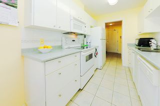 """Photo 9: 318 22022 49 Avenue in Langley: Murrayville Condo for sale in """"MURRAY GREEN"""" : MLS®# R2336851"""