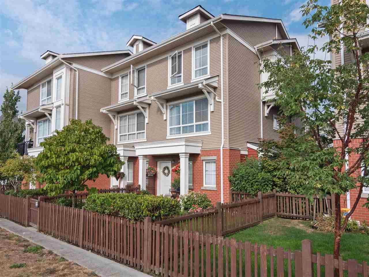"Main Photo: 70 19505 68A Avenue in Surrey: Clayton Townhouse for sale in ""Clayton Rise"" (Cloverdale)  : MLS®# R2301479"