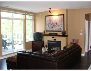 """Photo 2: 402 2628 YEW Street in Vancouver: Kitsilano Condo for sale in """"CONNAUGHT PLACE"""" (Vancouver West)  : MLS®# V784003"""