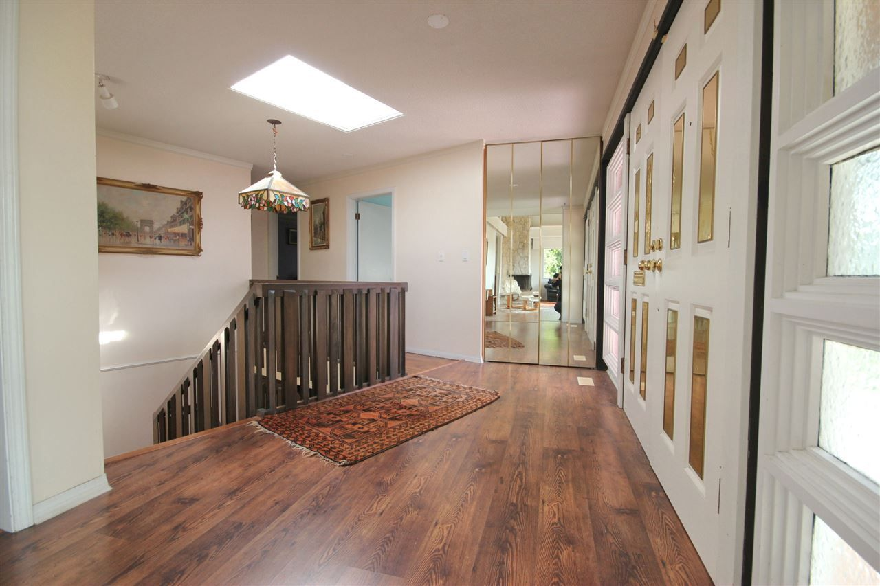 Photo 6: Photos: 4807 PATRICK PLACE in Burnaby: South Slope House for sale (Burnaby South)