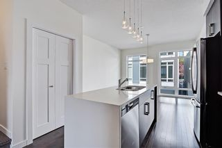 Photo 6: 1 3814 Parkhill Place SW in Calgary: Parkhill Row/Townhouse for sale : MLS®# A1121191