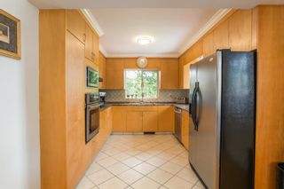 Photo 16: 926 KOMARNO Court in Coquitlam: Chineside House for sale : MLS®# R2584778