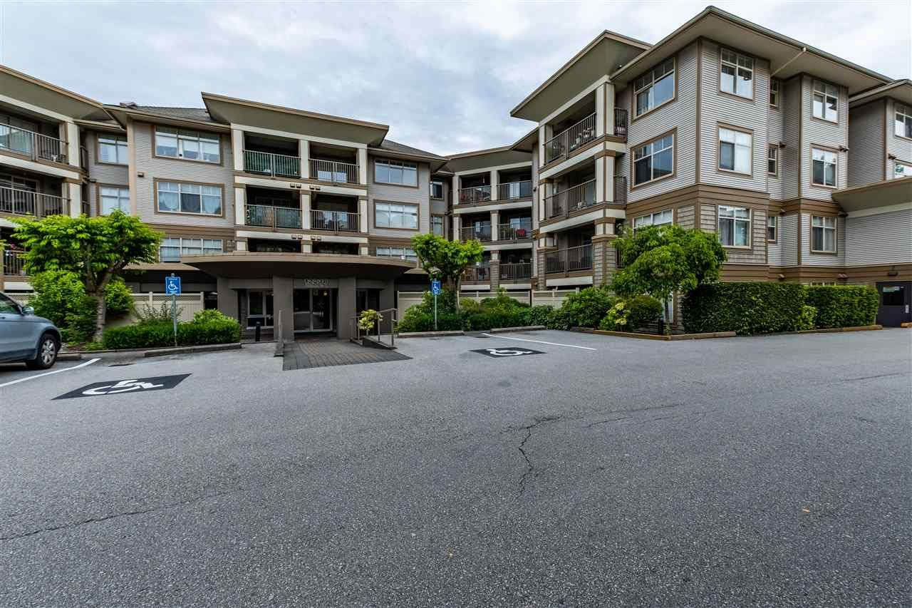 Main Photo: 415 12238 224 STREET in Maple Ridge: East Central Condo for sale : MLS®# R2593210