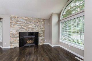 Photo 4: 215 HEAGLE Crescent in Edmonton: Zone 14 House for sale : MLS®# E4241702