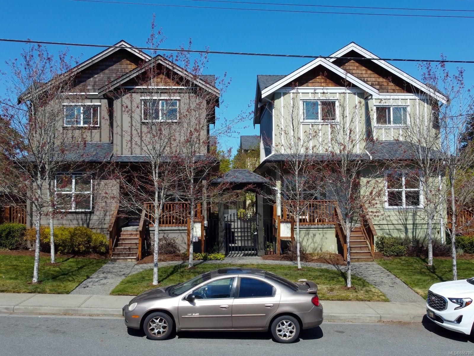 Main Photo: 102 582 Rosehill St in : Na Central Nanaimo Row/Townhouse for sale (Nanaimo)  : MLS®# 886786