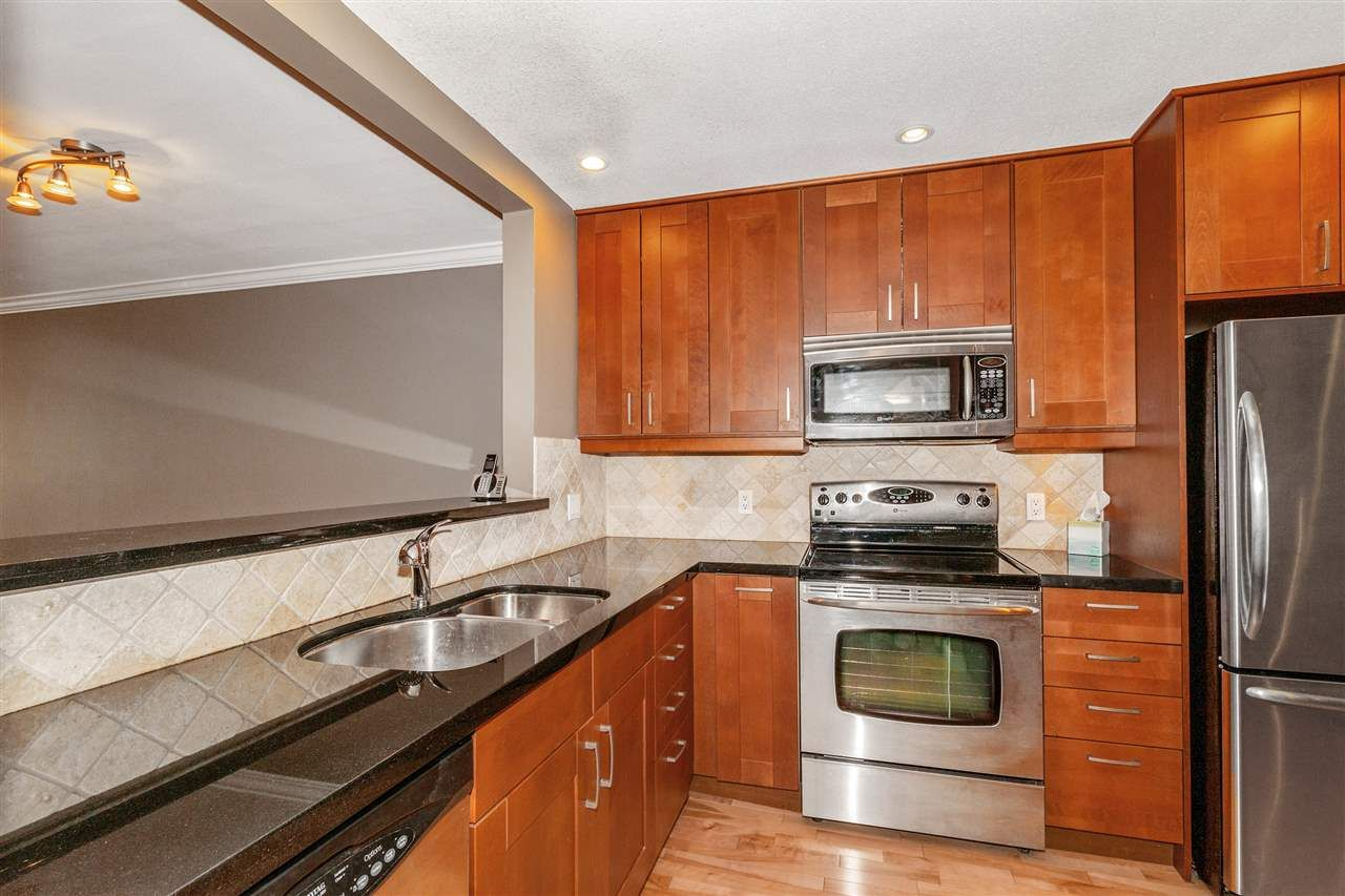 Photo 6: Photos: 337 E 5TH Street in North Vancouver: Lower Lonsdale 1/2 Duplex for sale : MLS®# R2544809