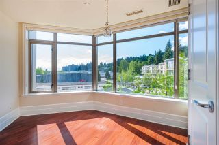 "Photo 12: 400 533 WATERS EDGE Crescent in West Vancouver: Park Royal Condo for sale in ""WATERS EDGE ESTATES"" : MLS®# R2457213"