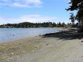Photo 5: 10311 Resthaven Drive in SIDNEY: SI Sidney North-East Residential for sale (Sidney)  : MLS®# 339079