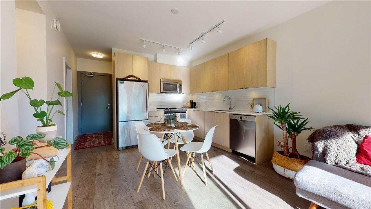 """Main Photo: 304 1150 BAILEY Street in Squamish: Downtown SQ Condo for sale in """"ParkHouse"""" : MLS®# R2504126"""