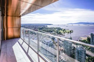"Photo 2: 5203 1480 HOWE Street in Vancouver: Yaletown Condo for sale in ""VANCOUVER HOUSE"" (Vancouver West)  : MLS®# R2528347"