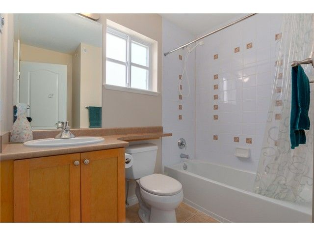 """Photo 10: Photos: 25 2688 MOUNTAIN Highway in North Vancouver: Westlynn Townhouse for sale in """"CRAFTSMAN ESTATES"""" : MLS®# V1073311"""